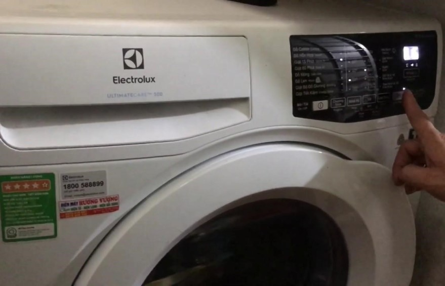 cach dung may giat electrolux